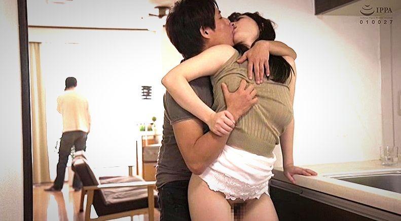 ノーブラニット最高!!巨乳の義姉に欲情してしまって… 斉藤みゆ