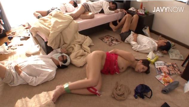 美人女教師が男子生徒たちの中出し当たり前の性奴隷となってしまう。