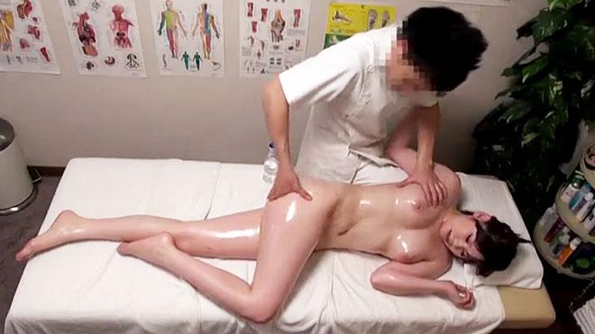 丸ノ内OL専門マッサージ治療院 15