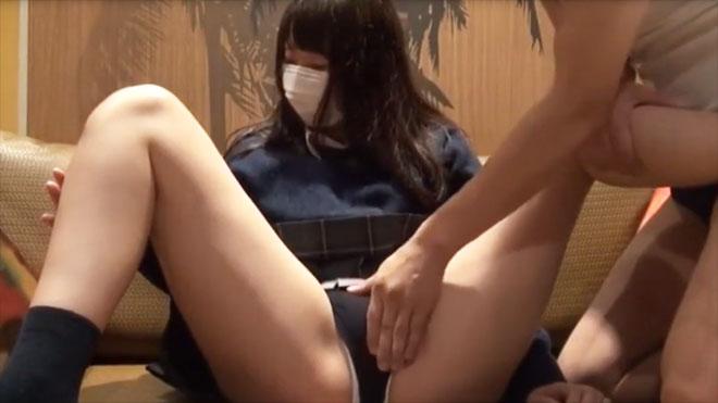カメラちょ~恥ずかしい♡ツルツルお肌の女子高生とハメ撮りSEX!