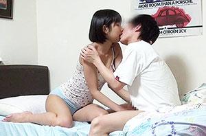 成熟した姉の裸に触れた童貞弟はイケない事と知りつつもチ○ポを勃起させて「禁断の近親相姦」してしまうのか!? 3