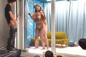 観客は●校時代の同級生 逆転マジックミラー号「素人娘たちの大胆SEXを生で見たくないですか?」大人数に見られているとは知らずに激イキ姿を大胆に披露!パート4 掟破りの同窓会編