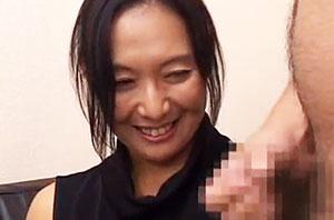 「センズリ鑑賞」38歳保育士さんが初めて射精のお手伝い!!