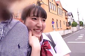 あゆみ/18歳/兄が大好きなロリカワ妹
