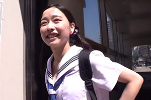 アイドルのオーディションを受けに東京にやってきた田舎の女子校生を騙してレイプ!嫌がりながら潮吹きする田舎娘にたっぷり中出し! 市川花音