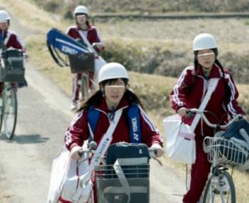 【レイプ】※削除注意※自転車で通学中の学生に背後から襲い、助けを呼べない開放的な野外で種付け中出しS〇X!