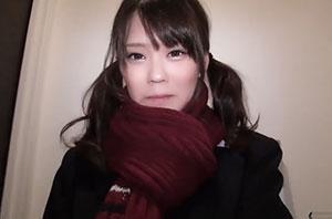「個人撮影」美少女女子高生とショッピングモールのトイレで円光セックス!