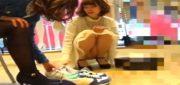 《パンチラ動画》靴の試し履きで接客中の店員さんを隠し撮り盗撮