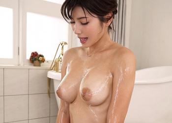 【無料動画】エロい乳輪が唆る美巨乳スレンダーな最高級ソープ嬢の極上おもてなしセックスに大量射精【美乃すずめ】
